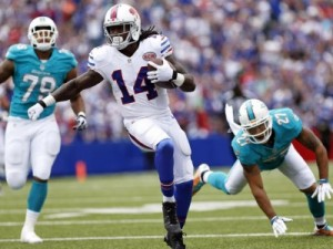 Buffalo-wide-receiver-Sammy-Watkins-helped-lead-the-Bills-past-the-Miami-Dolphins-29-10-and-inot-sole-possession-of-first-place-in-the-AFC-East.-e1410794785402