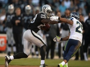 earl-thomas-latavius-murray-nfl-preseason-seattle-seahawks-oakland-raiders-850x560