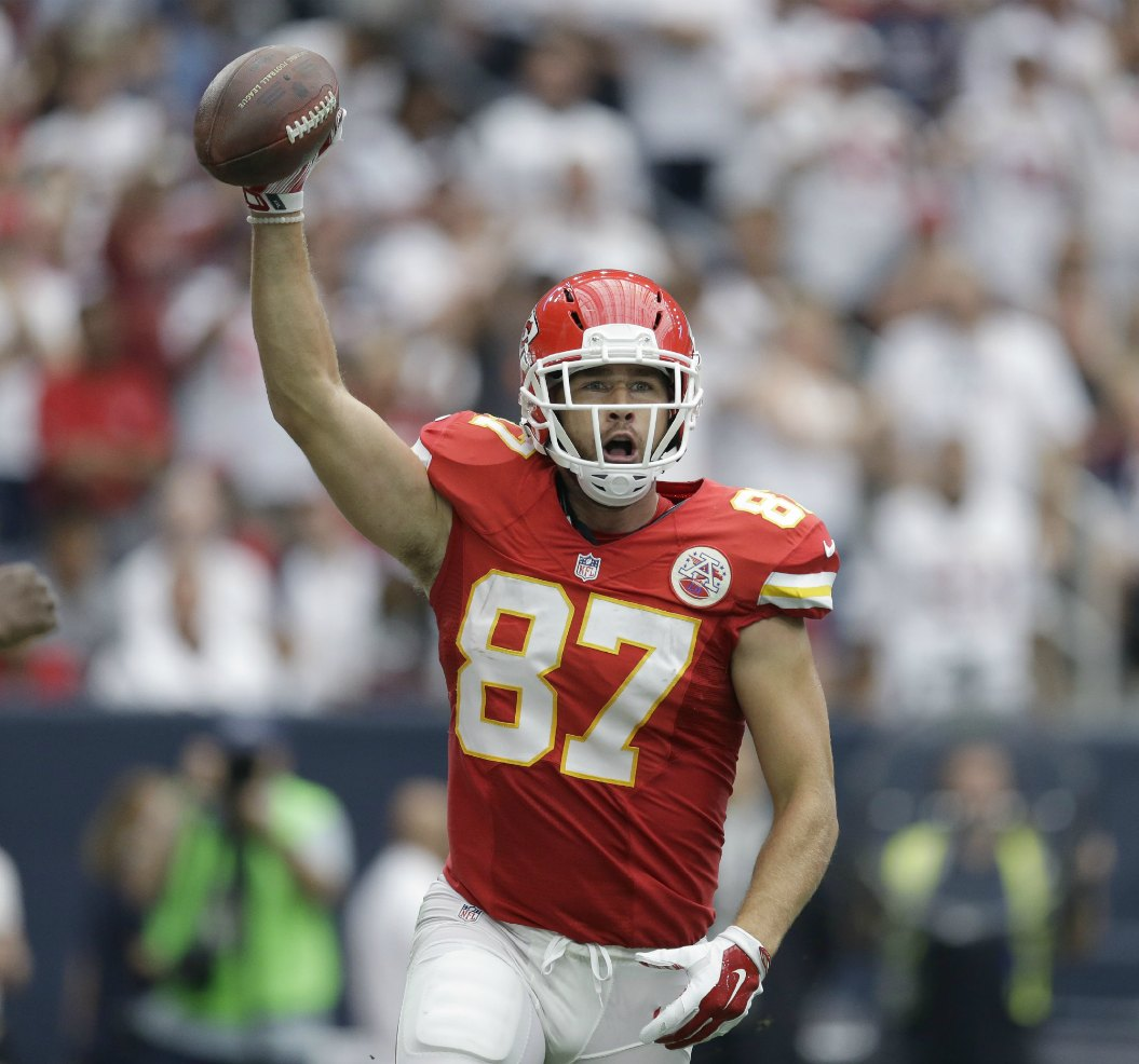 Travis Kelce Pushing To Be Nfl S No 1 Te Pff