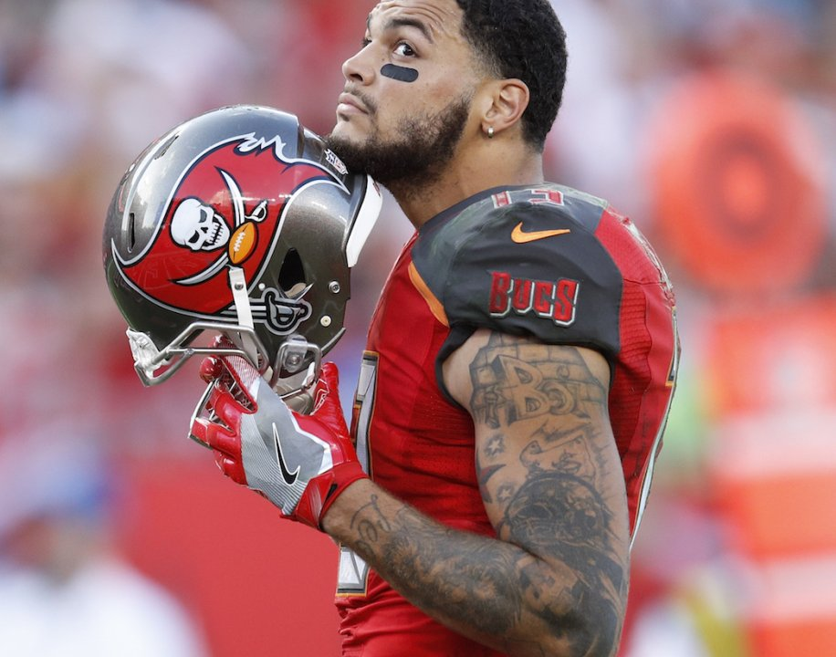 7c09610cdee TAMPA, FL - NOVEMBER 27: Mike Evans #13 of the Tampa Bay Buccaneers looks  on against the Seattle Seahawks during the game at Raymond James Stadium on  ...