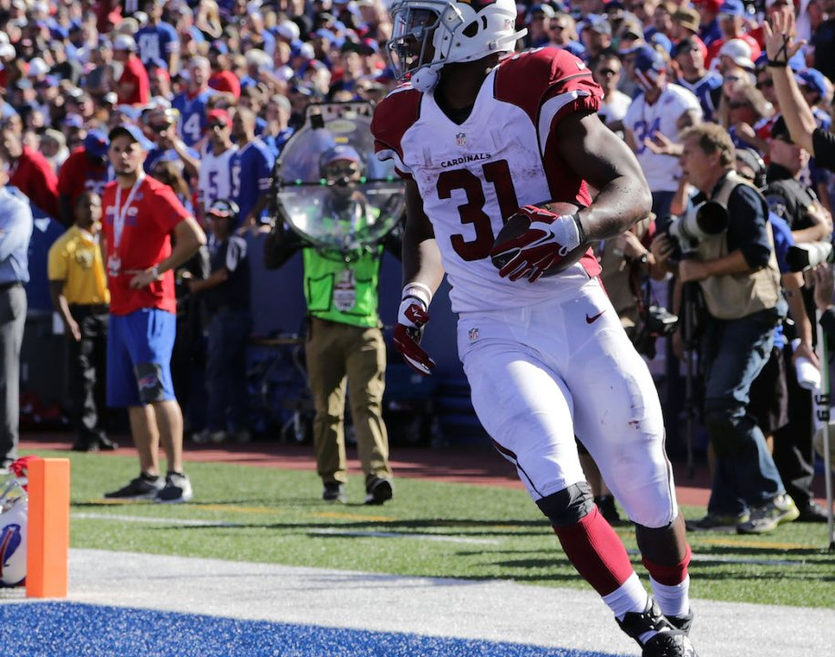 9fec6e9dc44 ORCHARD PARK, NY - SEPTEMBER 25: David Johnson #31 of the Arizona Cardinals  scores a touchdown against the Buffalo Bills during the second half at New  Era ...