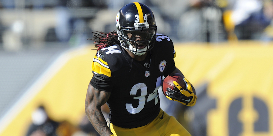 Pittsburgh Steelers running back DeAngelo Williams (34) runs the ball  in the first quarter of an NFL football game against the Oakland Raiders, Sunday, Nov. 8, 2015, in Pittsburgh. (AP Photo/Don Wright)