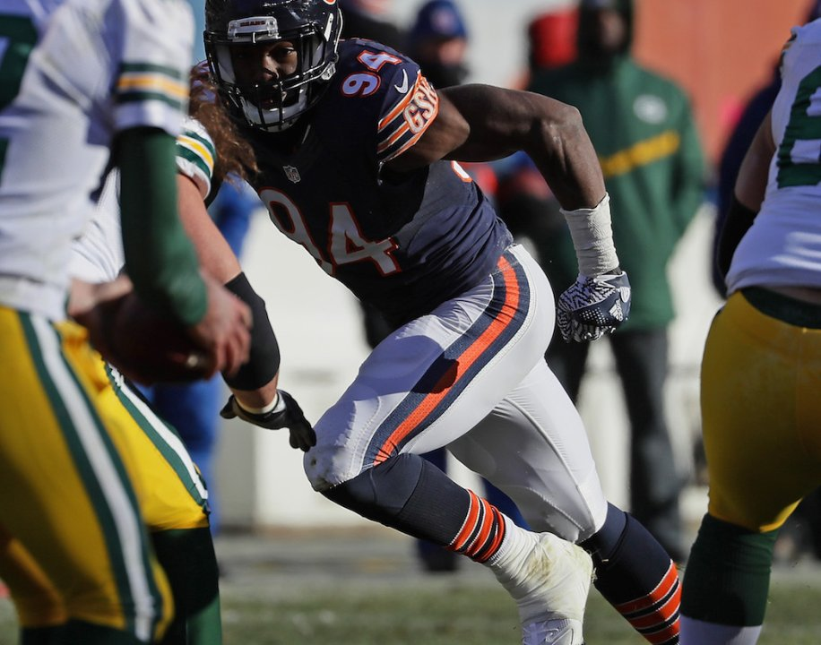 4578a444110 CHICAGO, IL - DECEMBER 18: Leonard Floyd #94 of the Chicago Bears rushes  against the Green Bay Packers at Soldier Field on December 18, 2016 in  Chicago, ...