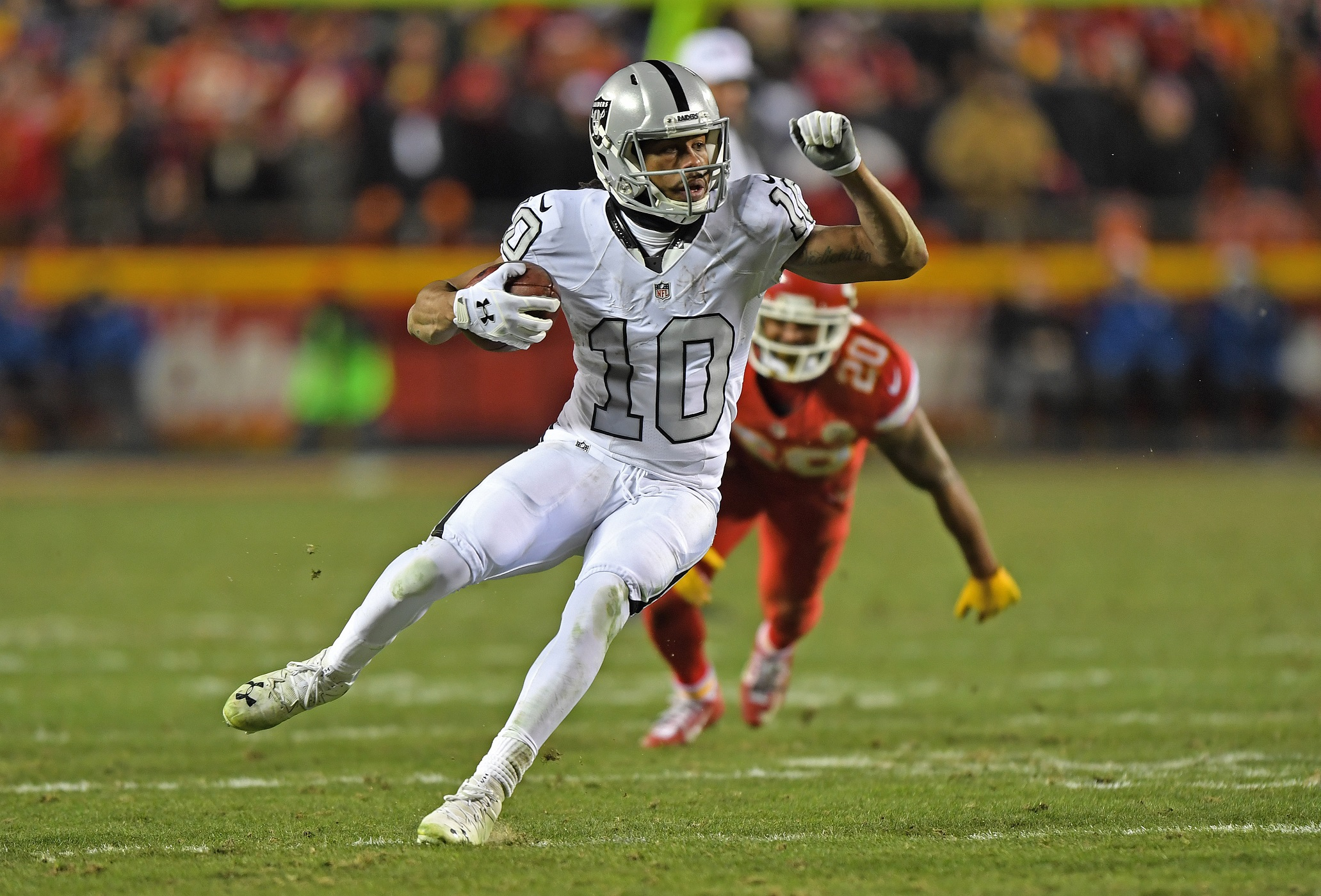 Raiders Sign WR Seth Roberts to Two-year Extension