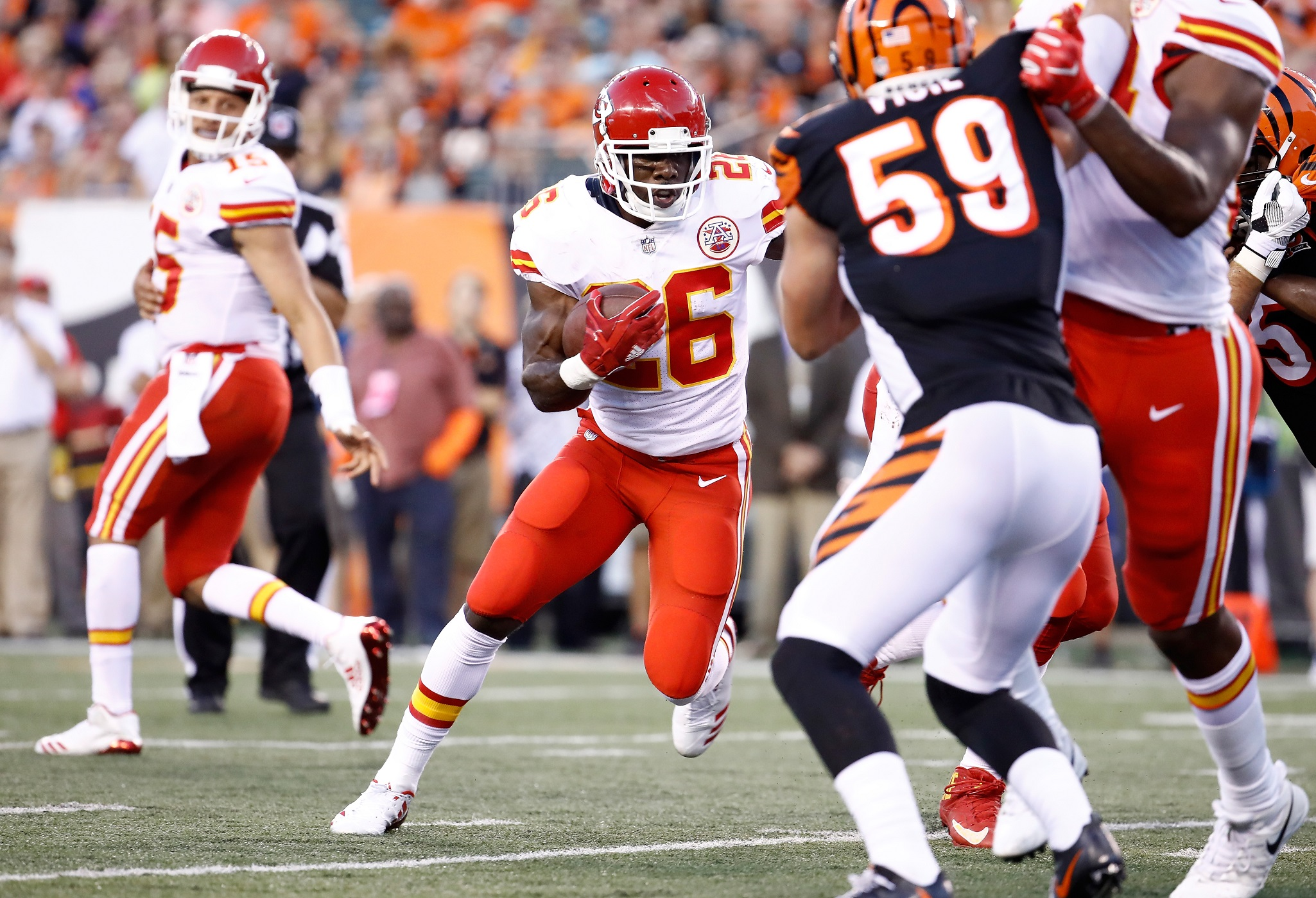 Spiller re-signs with Chiefs
