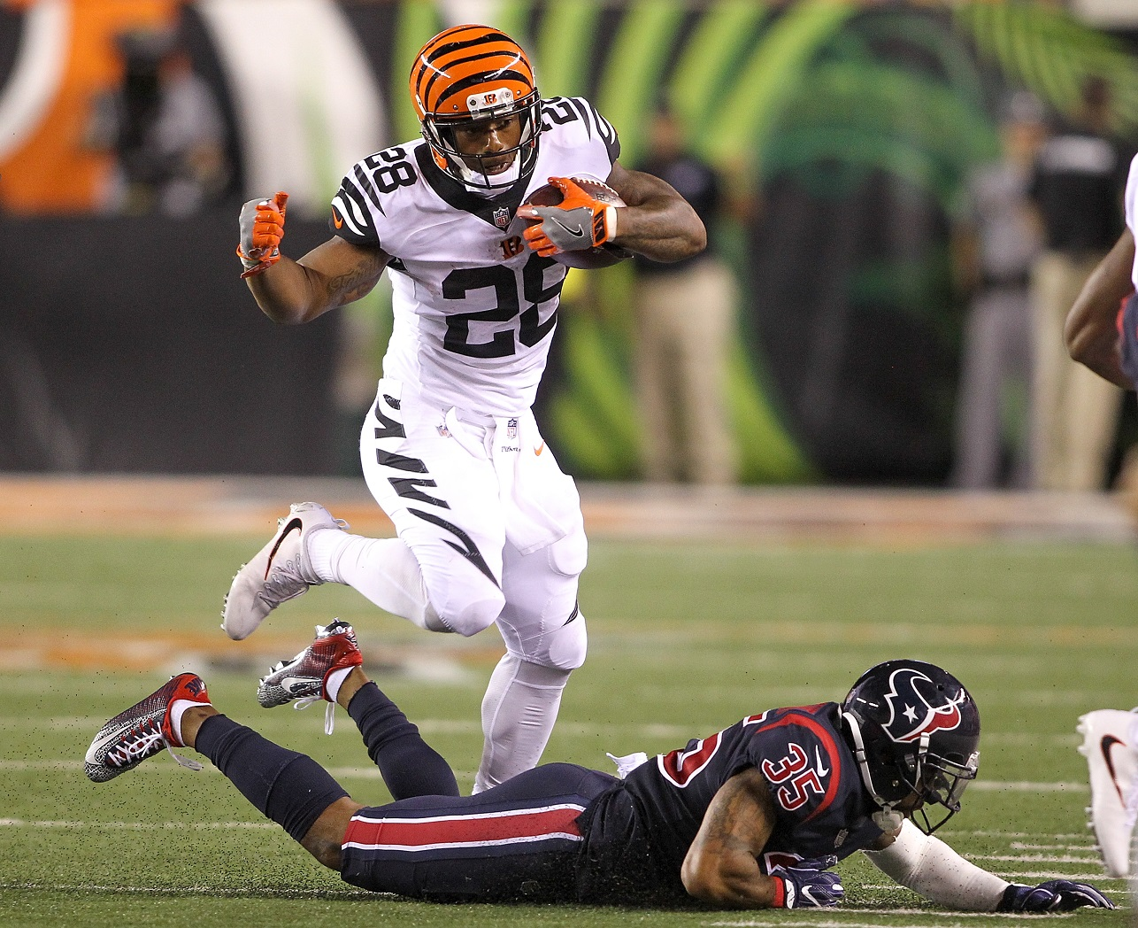 Bengals roll over Packers on way to 21-7 halftime lead