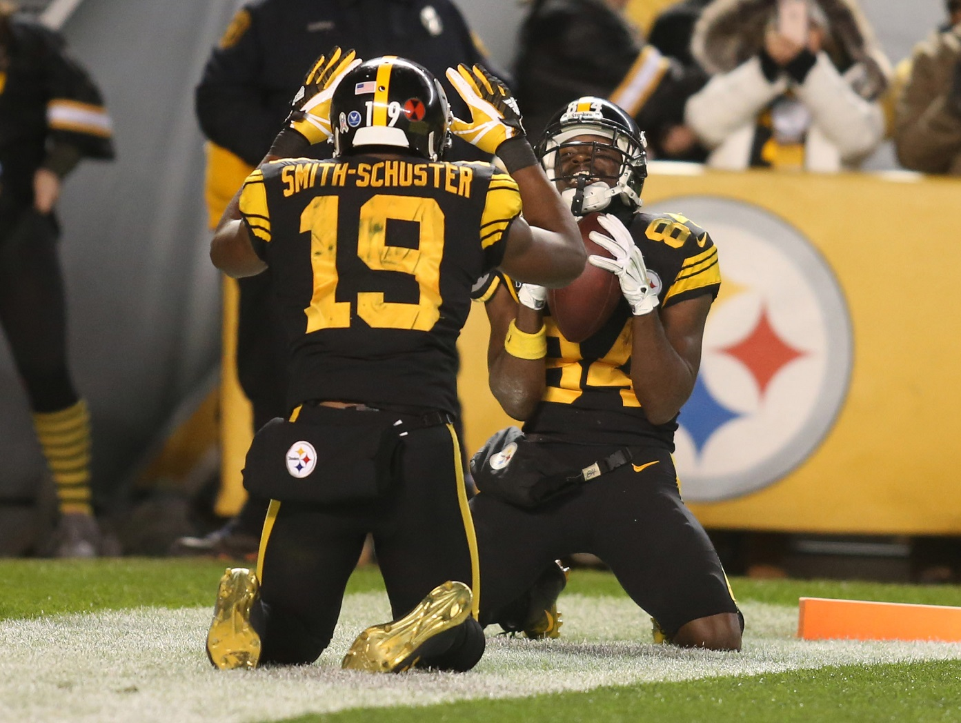 Antonio Brown, Pittsburgh Steelers Agree