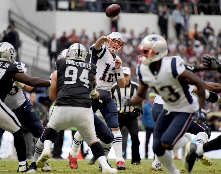 Fantasy Game Notes: New England Patriots vs  Oakland Raiders (in