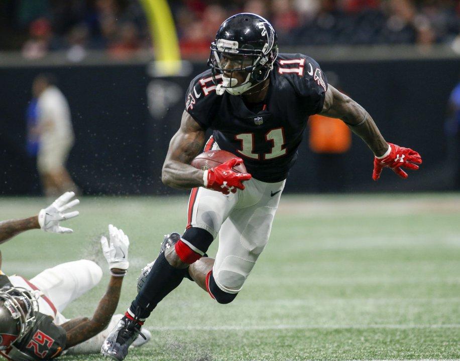 d72f90424e1 Nov 26, 2017; Atlanta, GA, USA; Atlanta Falcons wide receiver Julio Jones  (11) runs after a catch against the Tampa Bay Buccaneers in the fourth  quarter at ...