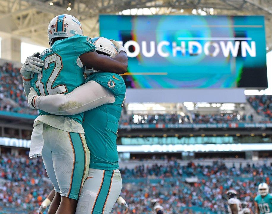 38efc08da42 Refocused  Miami Dolphins 35