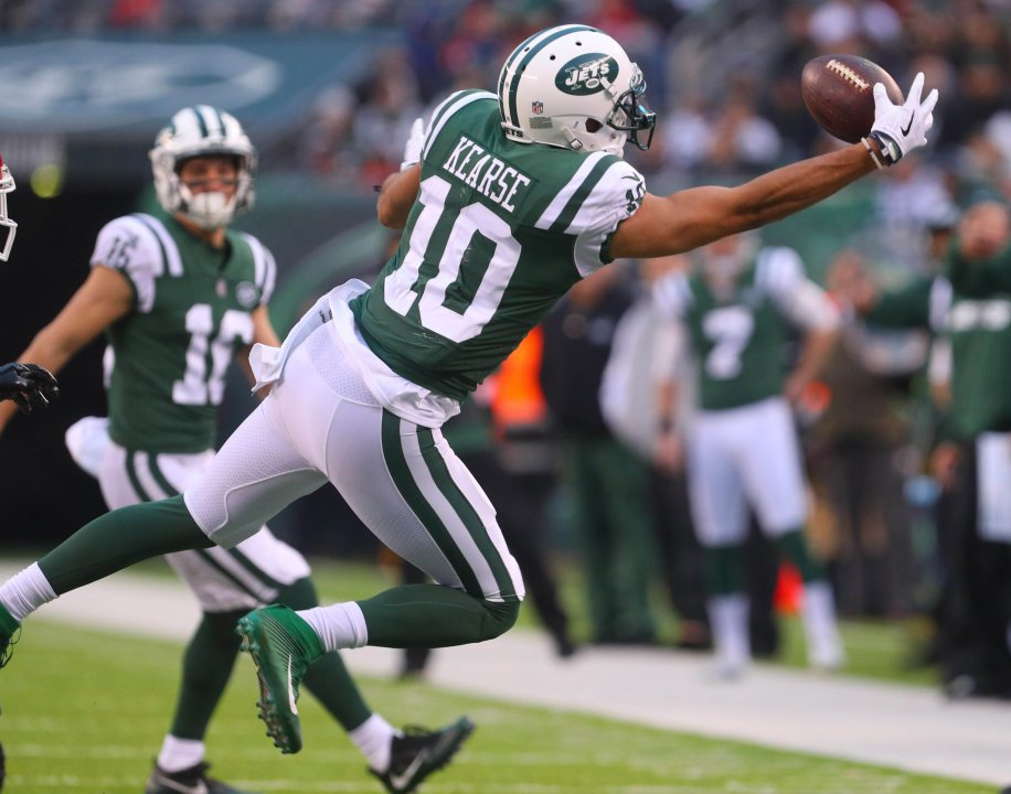 6d12b8ad1d9 Dec 3, 2017; East Rutherford, NJ, USA; New York Jets wide receiver Jermaine  Kearse (10) catches a pass during the second half against the Kansas City  Chiefs ...