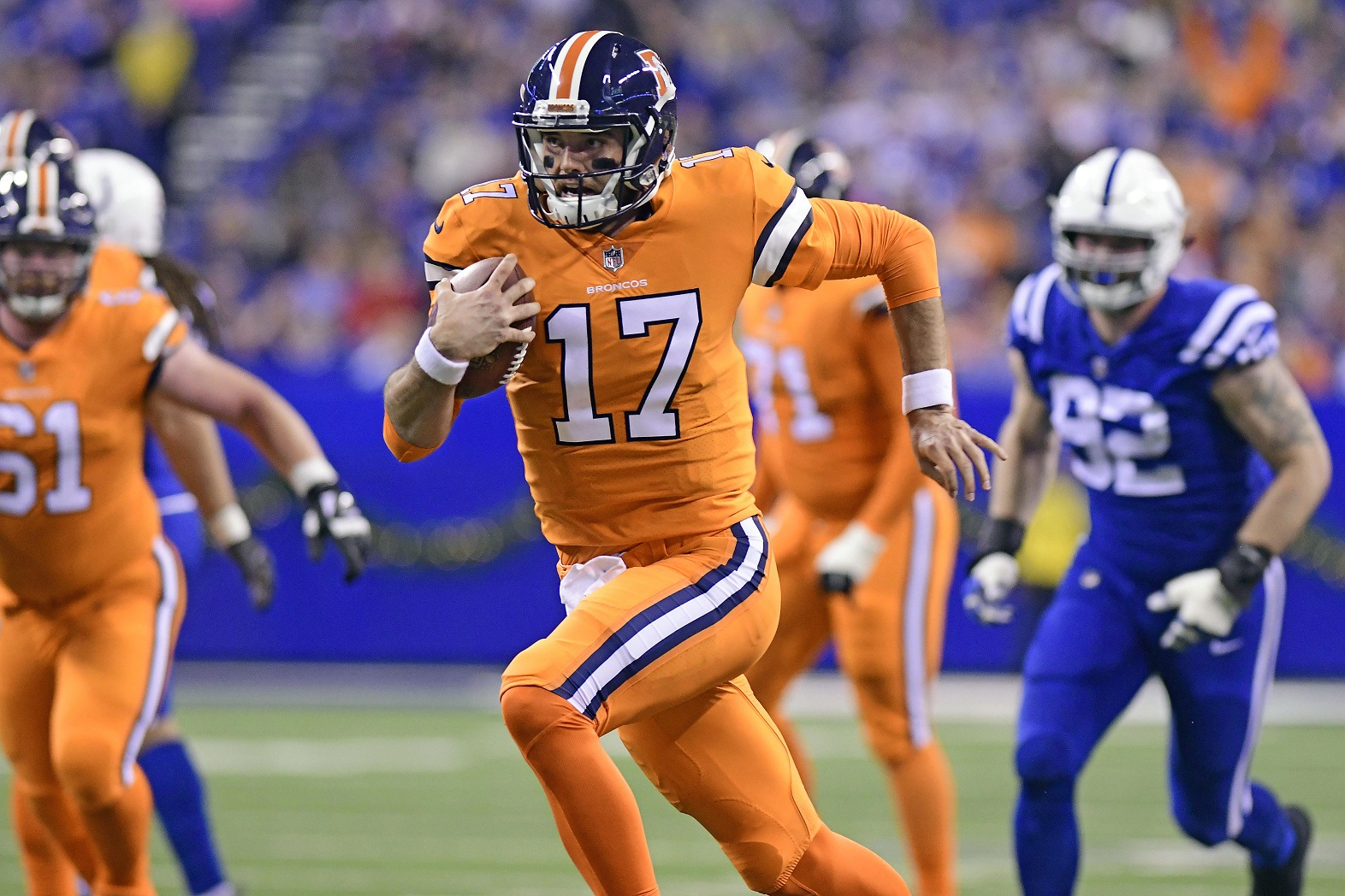 Broncos QB Trevor Siemian injures left shoulder during game