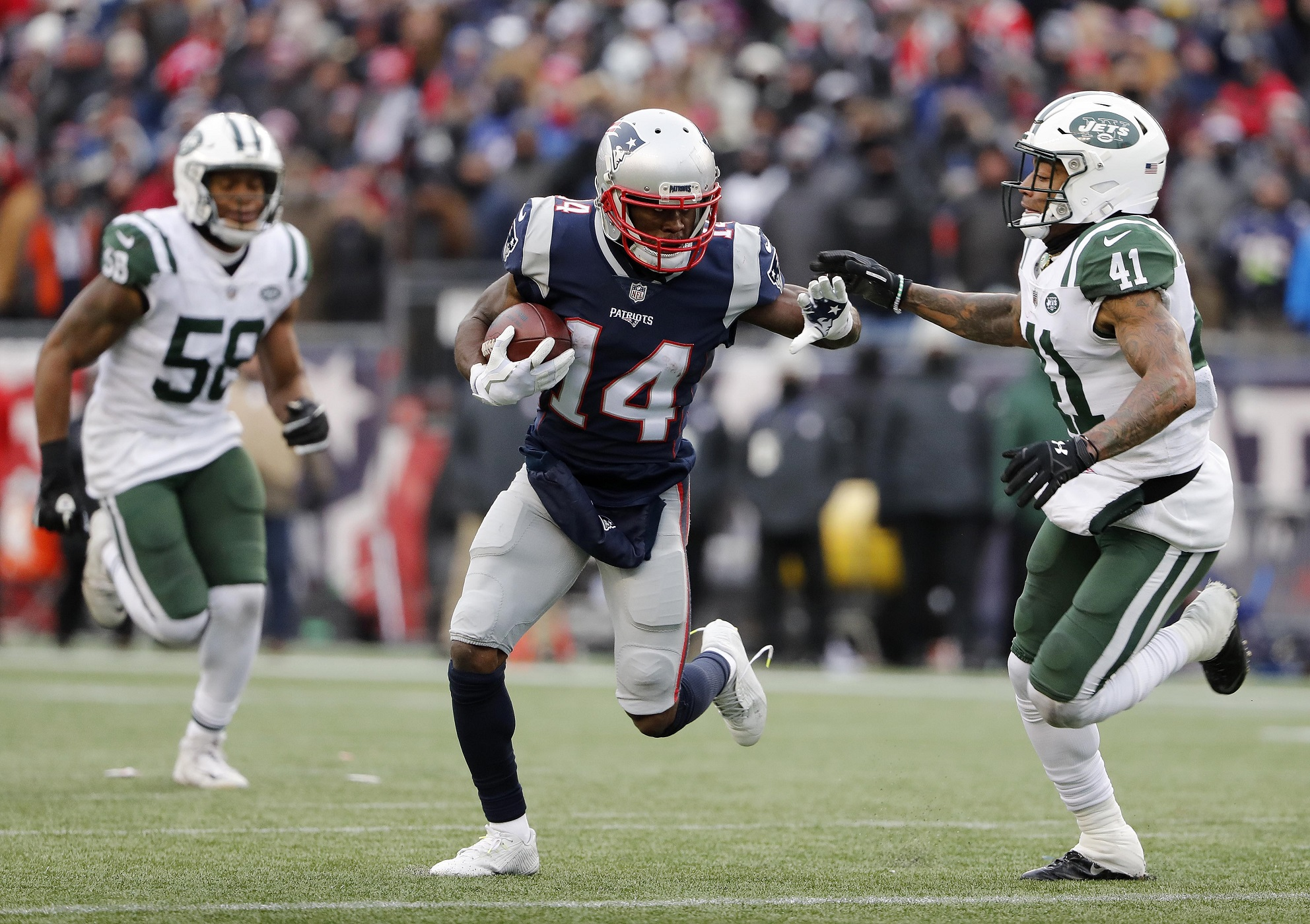 Patriots Cruise Past Jets 26-6, Lock up #1 Seed in AFC