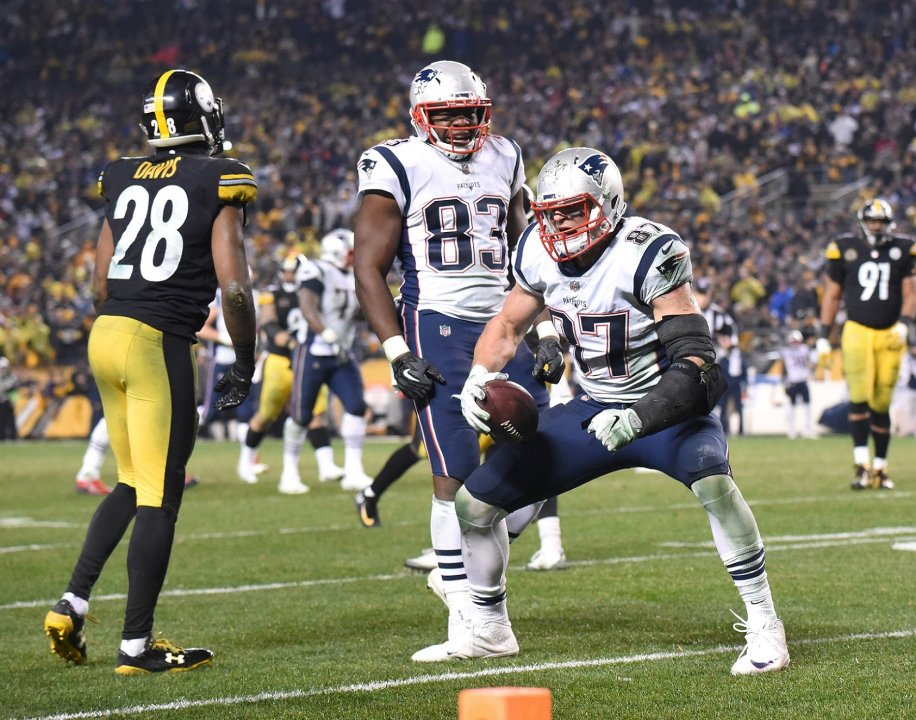 45641a4b7ce Rob Gronkowski had the best single-game performance by a TE in 2017 ...