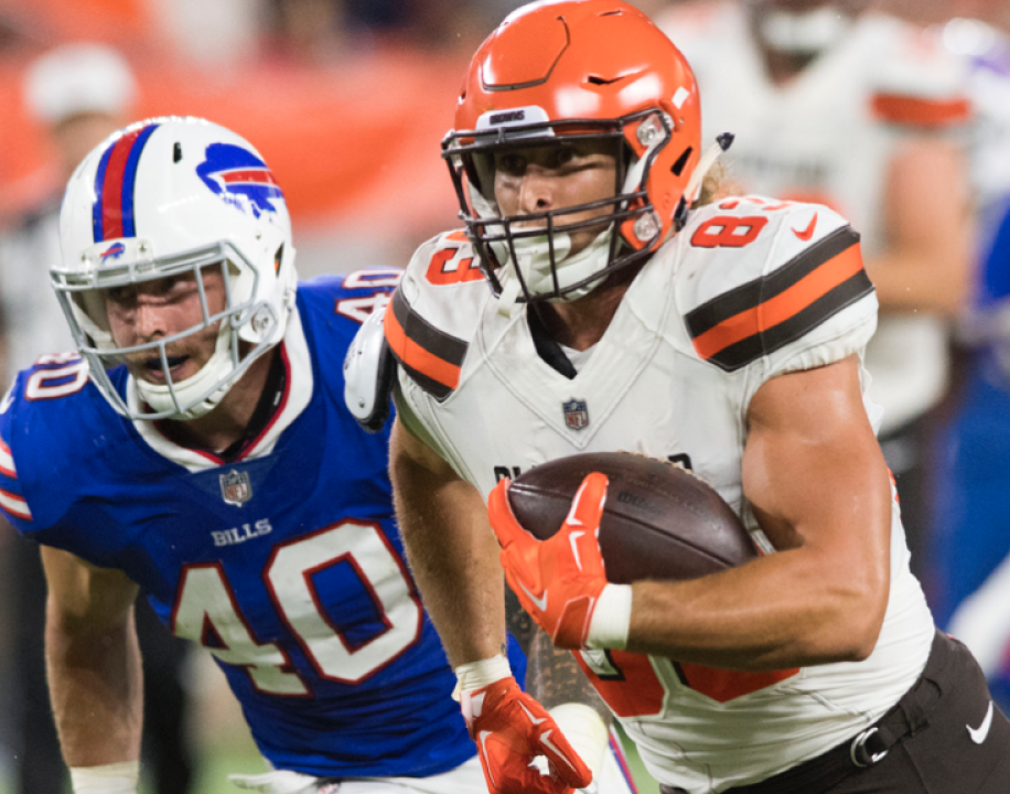 2286883f025 We're near the end of the 2018 NFL preseason schedule and rosters are  taking their final shapes for the 2018 NFL regular season. We've got you  covered from ...