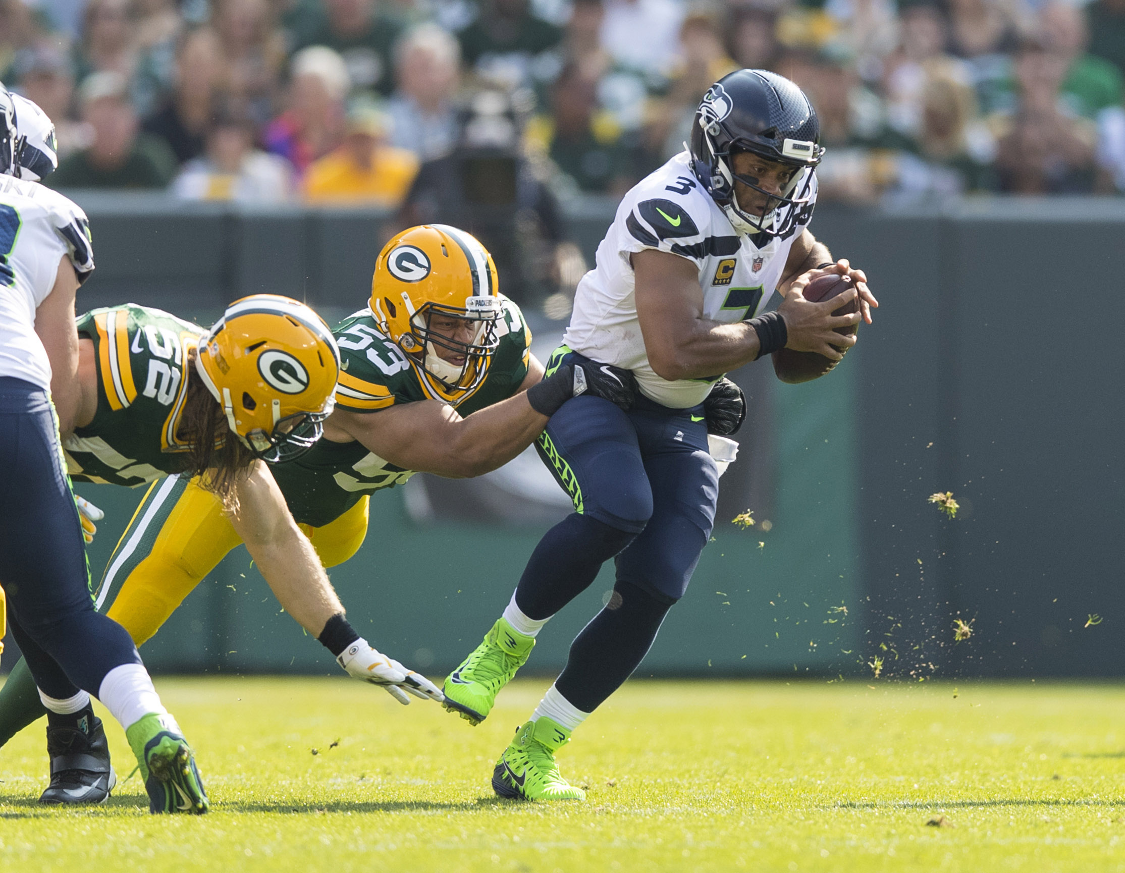 Packers TE Jimmy Graham breaks thumb in loss to Seahawks