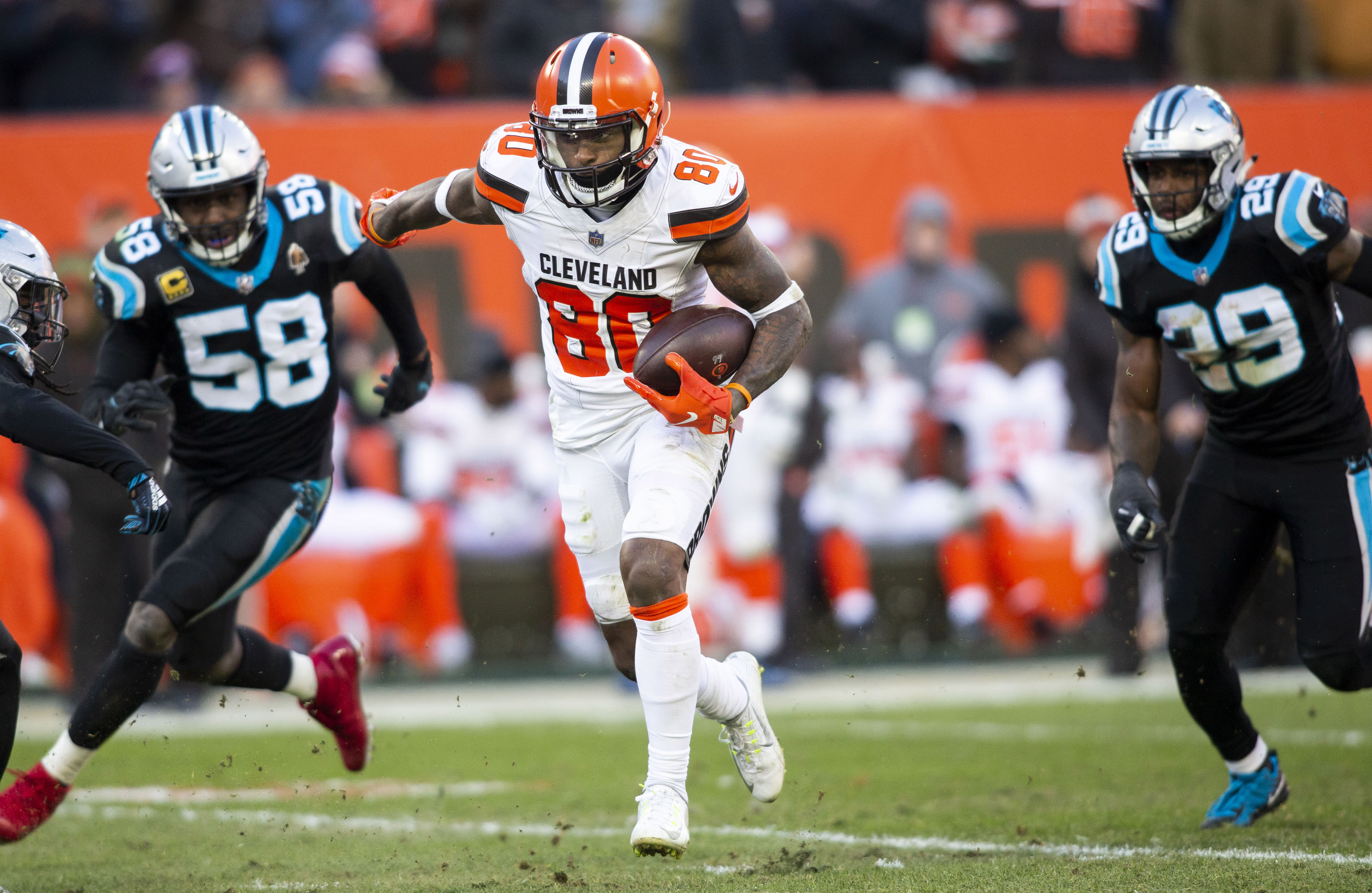 Panthers' collapse continues with late miscues in loss to Browns