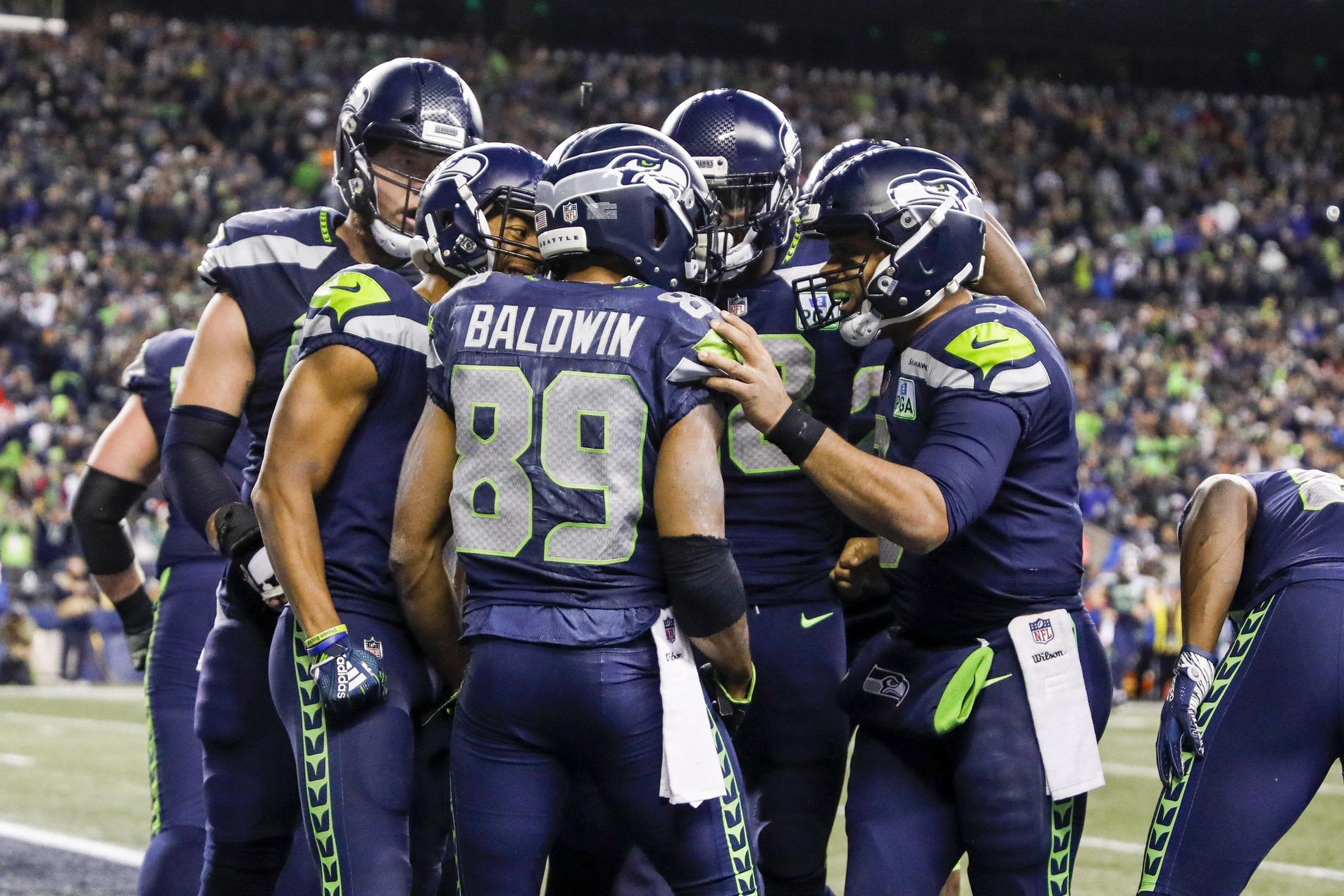 Seahawks seal playoff spot, halt Chiefs' AFC West title bid