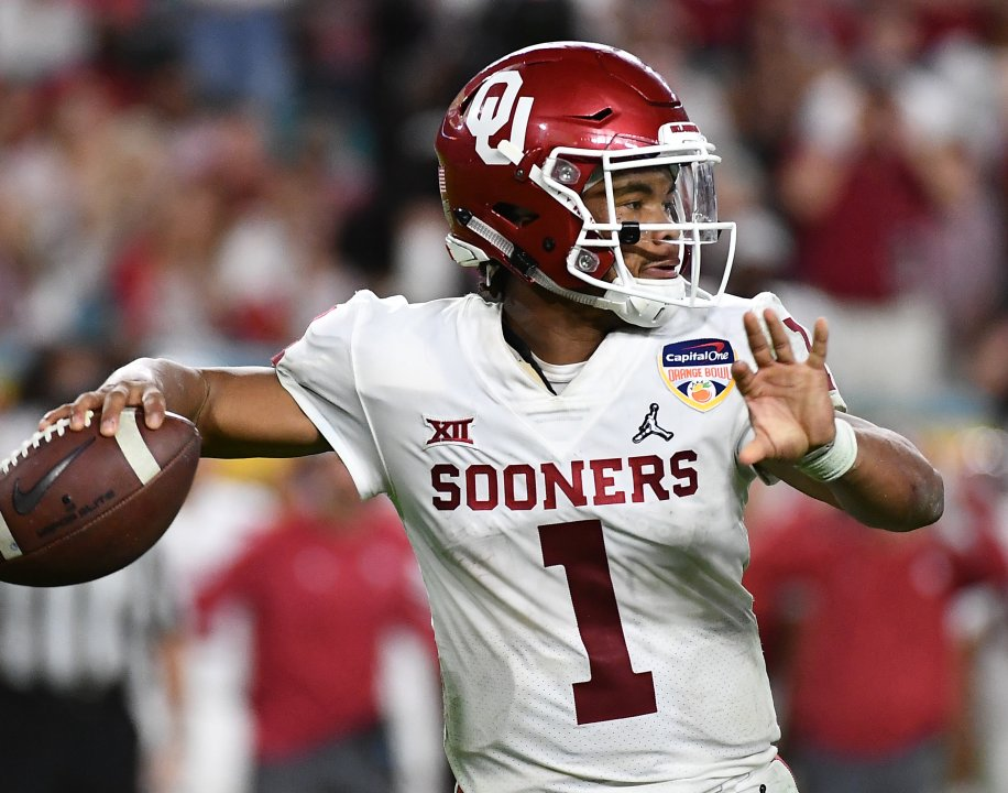 8257f9a7c ... Oklahoma Sooners quarterback Kyler Murray (1) throws against the  Alabama Crimson Tide during the fourth quarter of the 2018 Orange Bowl  college football ...