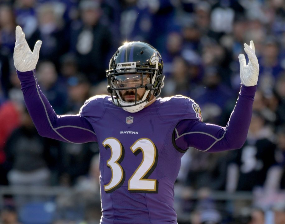 11208aa5ece Jan 6, 2019; Baltimore, MD, USA; Baltimore Ravens free safety Eric Weddle  (32) reacts against the Los Angeles Chargers during an AFC Wild Card  playoff ...