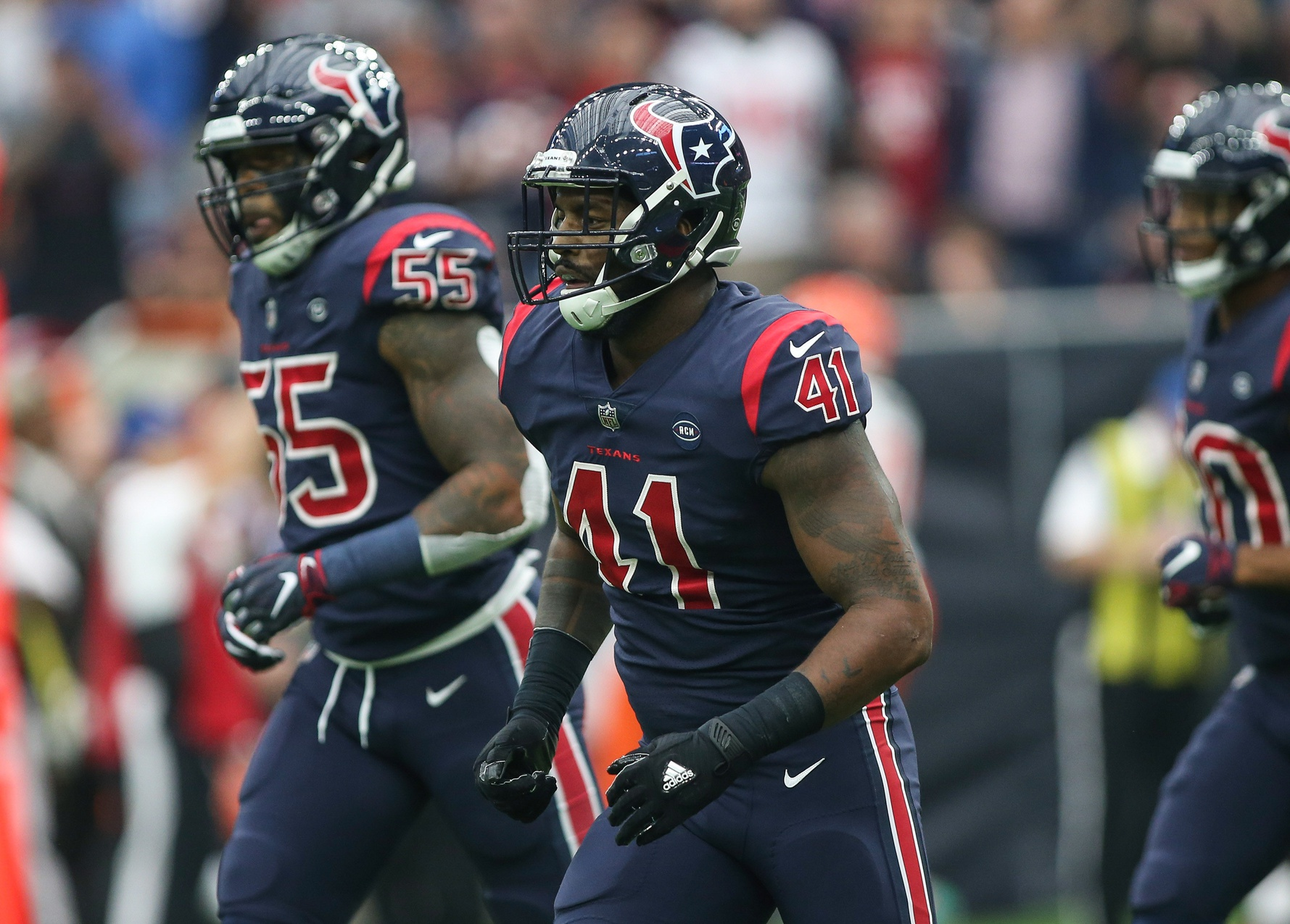 Texans sign linebacker Zach Cunningham to new contract extension ...