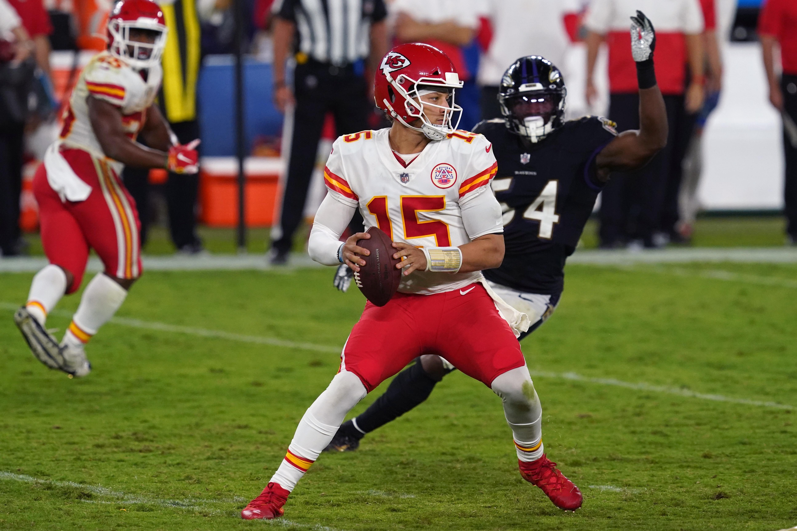 Patrick Mahomes fastest to 10,000 passing yards in National Football League history