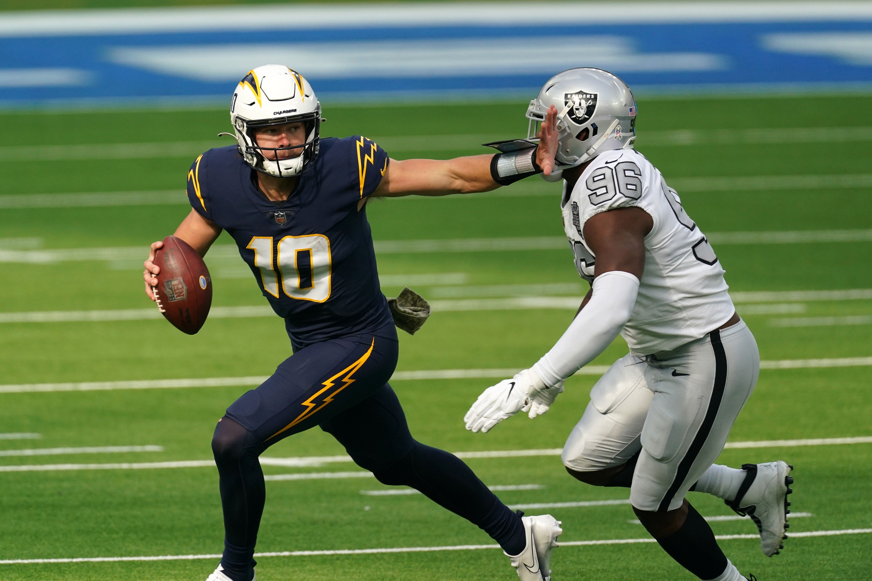 NFL Week 9 PFF ReFocused: Las Vegas Raiders 31, Los Angeles Chargers 26    NFL News, Rankings and Statistics   PFF